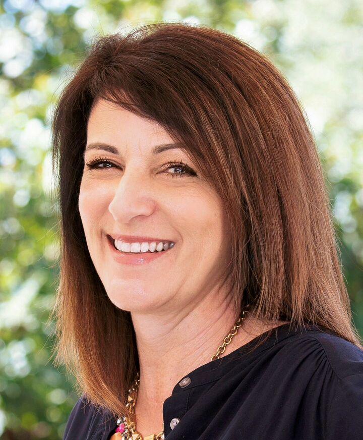 Jennifer A. Dorris, Realtor in Roseville, Better Homes and Gardens Reliance Partners