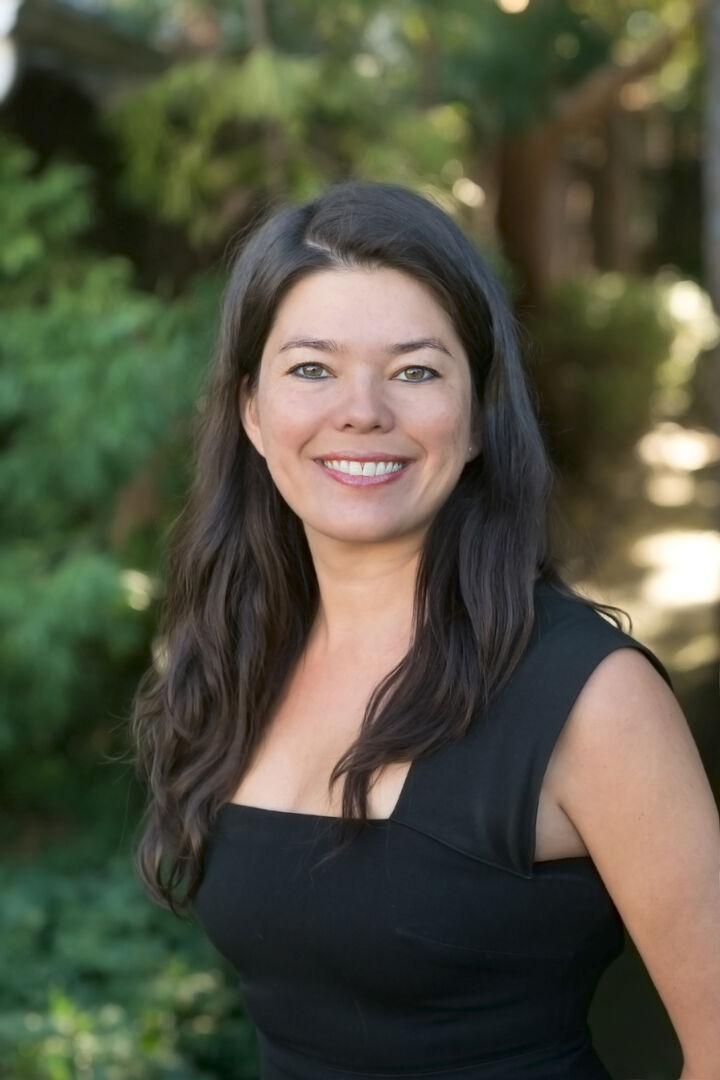 Christina Linezo