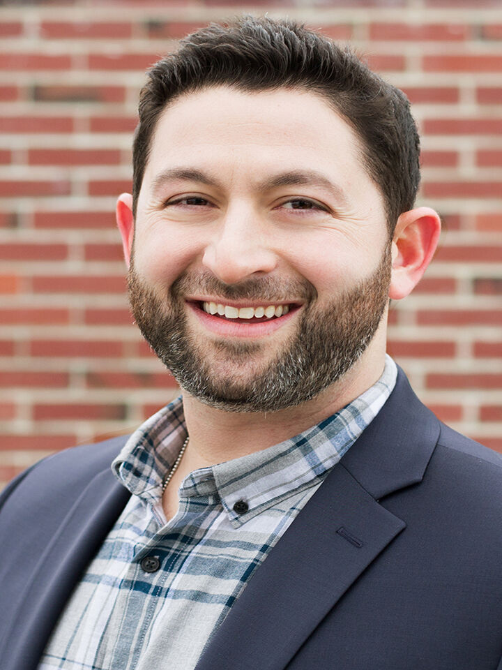 Jonny Weinstein, Property Manager | Leasing Agent in Seattle, Windermere