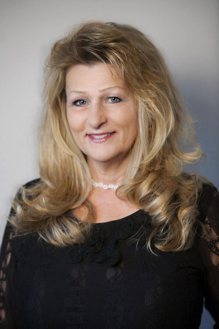 Carol Armstrong, Realtor Broker in Bend, Windermere