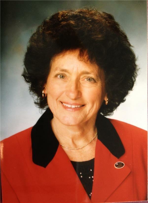 Gaile Enlow-Jones, Sales Associate in Evansville, BHHS Indiana Realty