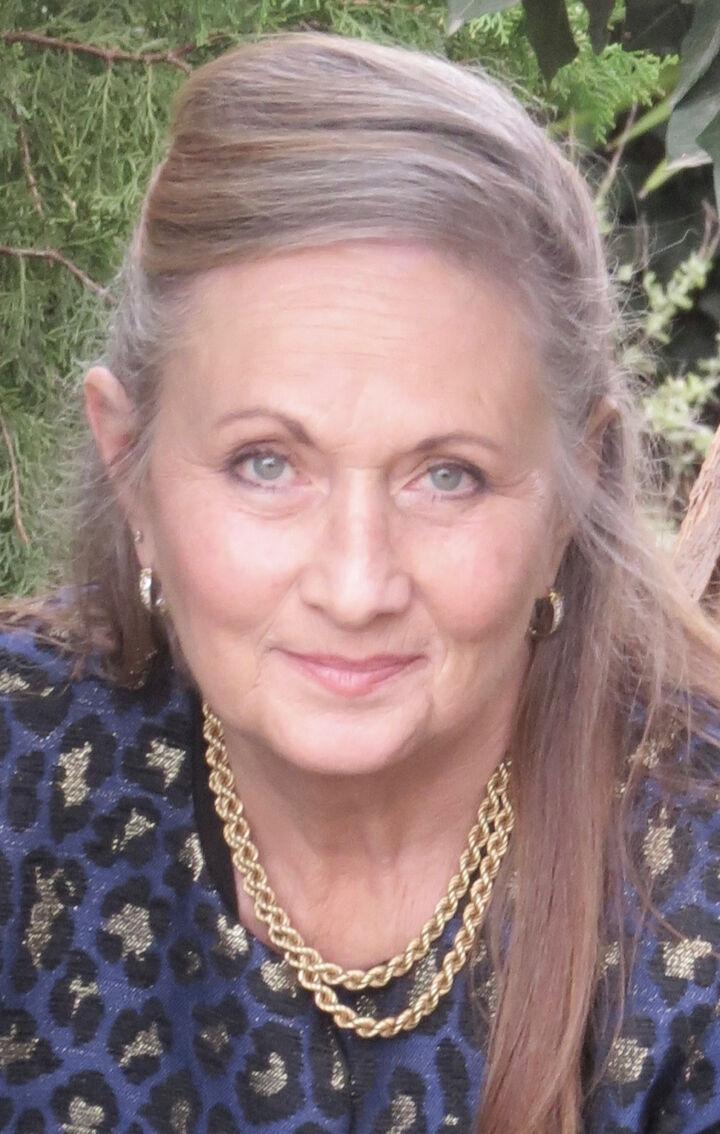 Davena Gentry, Realtor in Palo Alto, Sereno Group