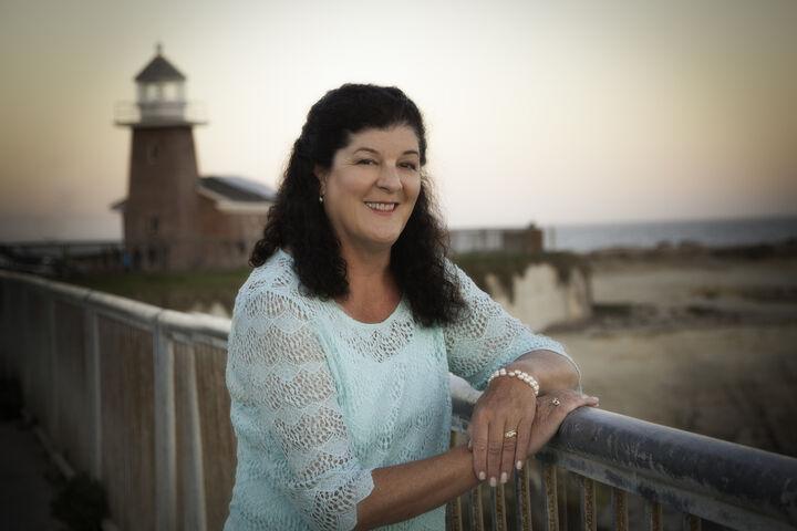 Julie Hansmann, REALTOR® in Santa Cruz, David Lyng Real Estate