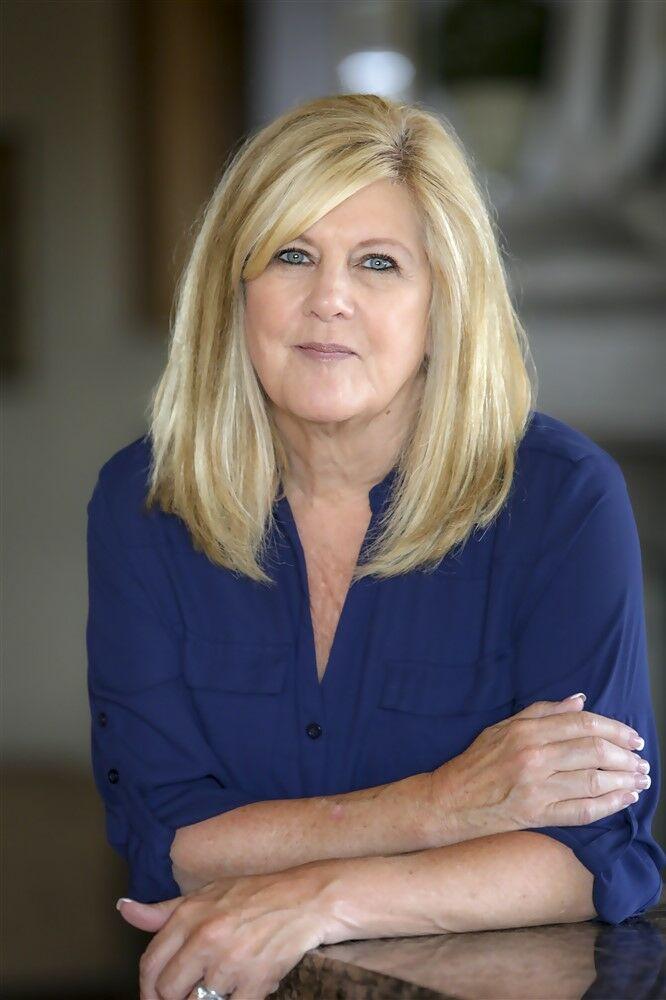 Sue Buzzetta, Realtor in Hollister, Intero Real Estate